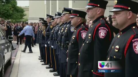 Adiós a un héroe: emotiva ceremonia al bombero Scott Deem