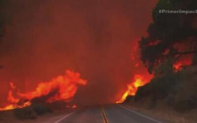 Miles de personas en California escapan del infierno