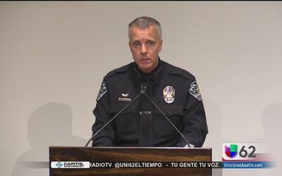 Autoridades investigan un apuñalamiento en la calle Nueces