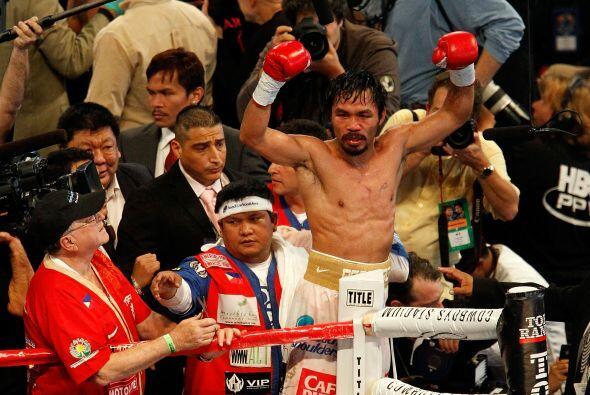 Segundos después levantó los brazos de la victoria.