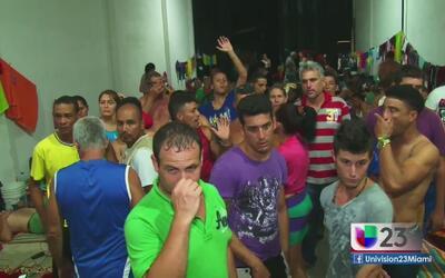 Cientos de cubanos varados en Colombia temen ser deportados