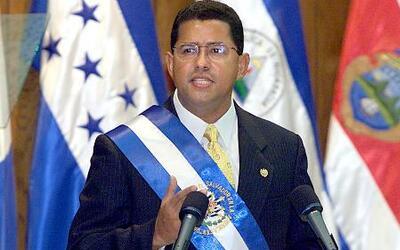 Giran orden de captura contra Francisco Flores