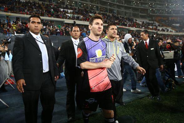 Messi y sus amigos enfrentaron al equipo de Neymar y sus amigos en Perú,...