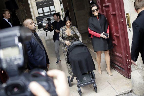 Acompañada de Kris Jenner, la pequeña Nori y Kanye West