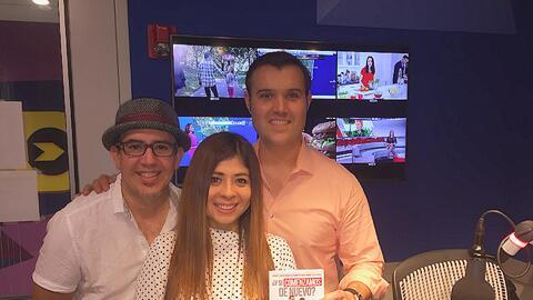 Alberto Sardiñas con Susana y Ricardo Rodríguez en el estu...