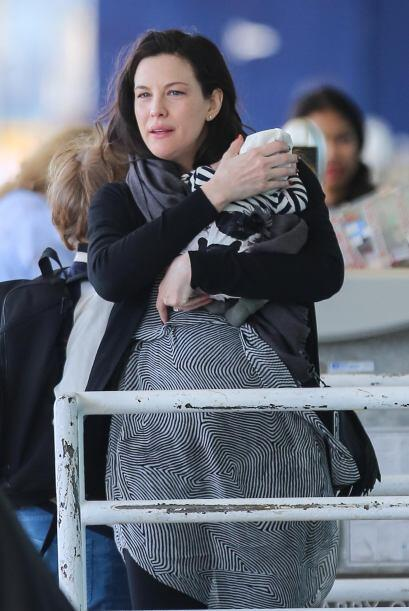 La actriz dio a luz a su segundo hijo hace tan sólo dos meses y y...
