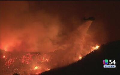 Aumenta la preocupación en Santa Clarita por el incendio Sand