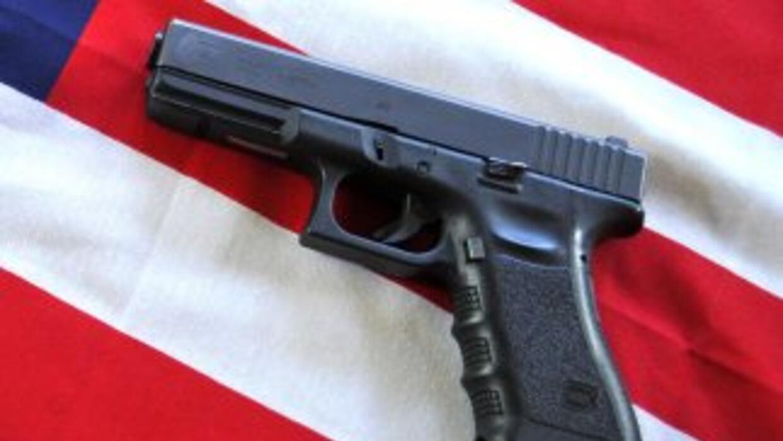 Debido a su precio, tamaño y capacidad de disparo, las pistolas glock so...