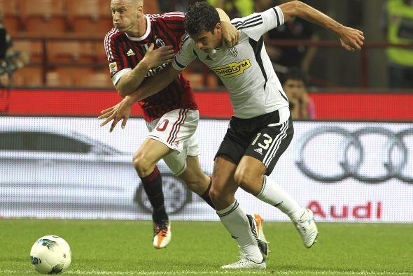 Milan recibió la visita del Cesena en la cuarta jornada del Torneo.