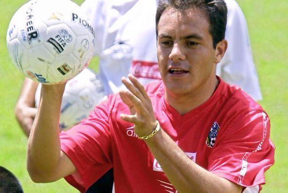 Entre 1997 y 1998, jugó en el Necaxa.