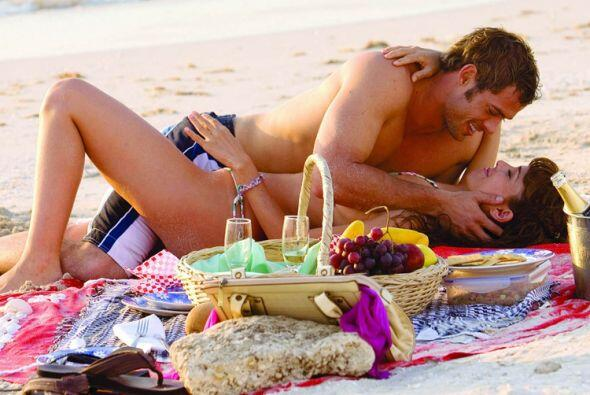 La pareja protagonica sacaba chispas con sus candentes escenas.