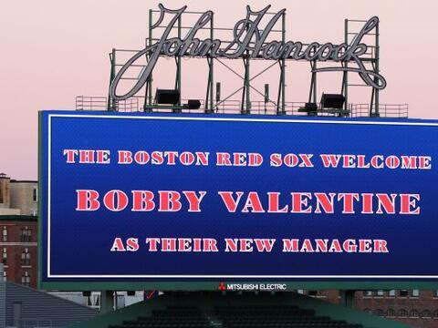 Bobby Valentine fue elegido como el nuevo manager de los Red Sox de Boston.