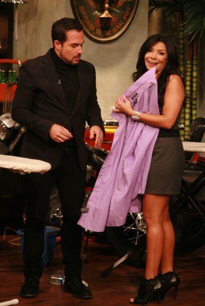 Carlos de plano ni  siquiera lavó la camisa.