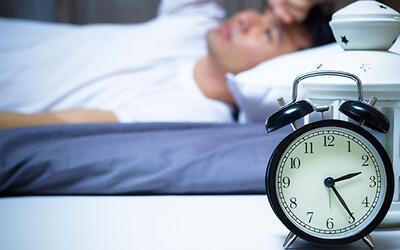 Consulta con Dr. Juan: ¿cómo evitar el insomnio?