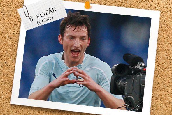 También en la mitad del campo tenemos al checo Libor Kozák, que a falta...