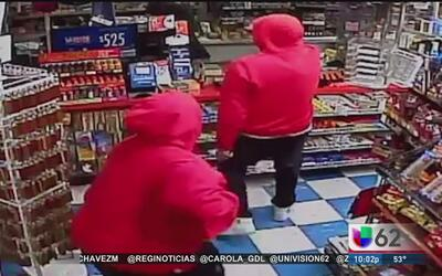 Buscan a dos personas que asaltaron un negocio en Round Rock