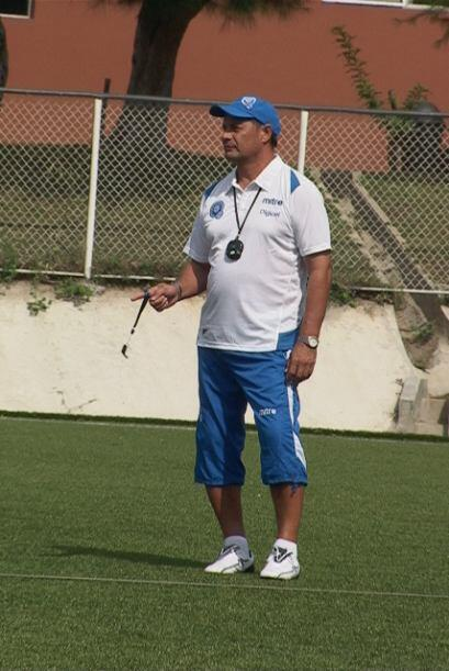 Ya como entrenador estuvo a cargo del Atlante de México en la 98-99 y en...