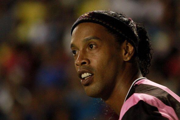 4.- Ronaldinho: El icónico crack brasileño se encuentra al...