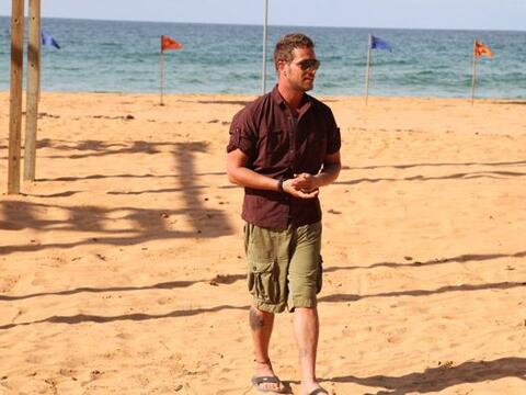 Horas bajo el sol y con arena por todo el cuerpo es lo que 'sufre' el gu...