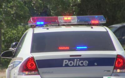 Policía de Phoenix busca sumar civiles a sus filas para tareas más senci...