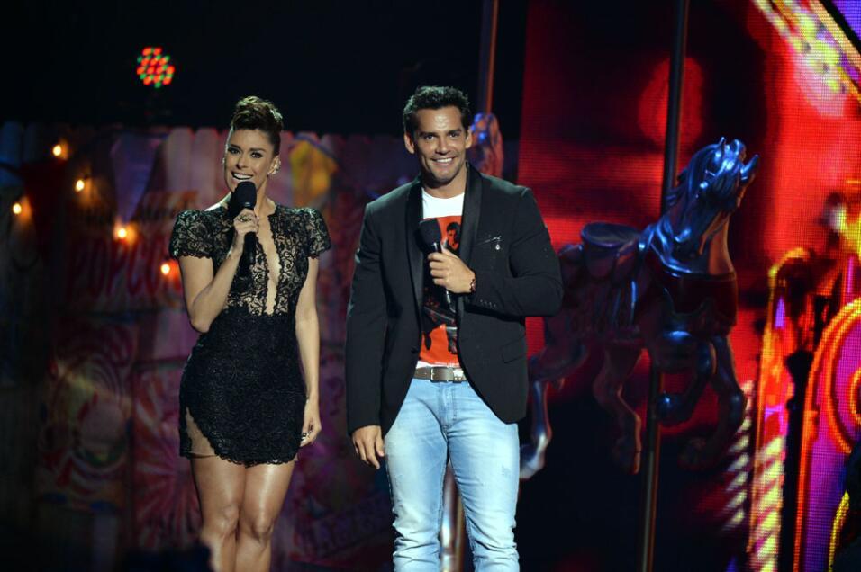 Galilea Montijo y Cristián de la Fuente conductores PJ 2014.