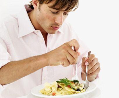 """3. Reduce la carne de tu dieta""""La producción de una libra de..."""