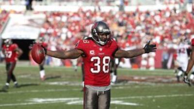 Dashon Goldson (AP-NFL).