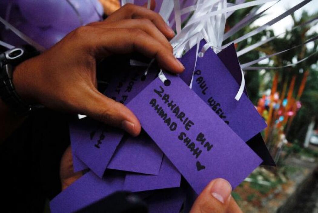 En los globos, también se colgaron tarjetas donde escribían mensajes a l...