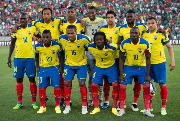 La tradicional foto de los equipos se tomaba.