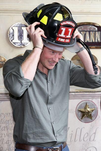 También estuvo con el departamento de bomberos de Valparaíso y con el gr...