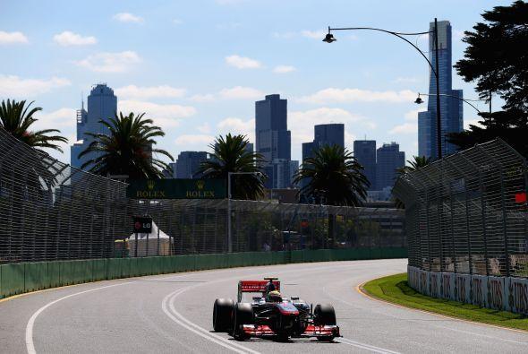 La ciudad de Melbourne es el marco de Albert Park.