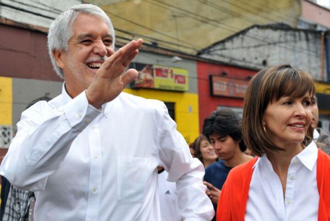 Por su parte, Enrique Peñalosa, de la Alianza Verde iría al final.