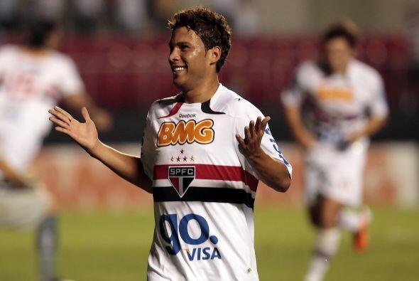 Marlos fue el autor del otro gol del Sao Paulo que suma doce puntos y es...