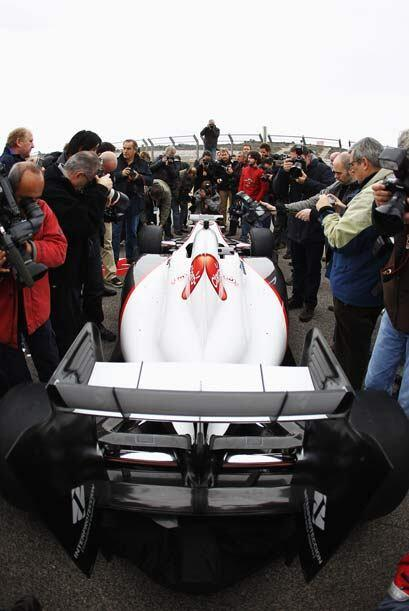 La prensa mundial se congregó en Valencia para el debut del nuevo Sauber...