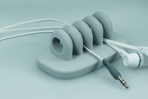 Otras opciones: Este organizador de cables, será la opción...
