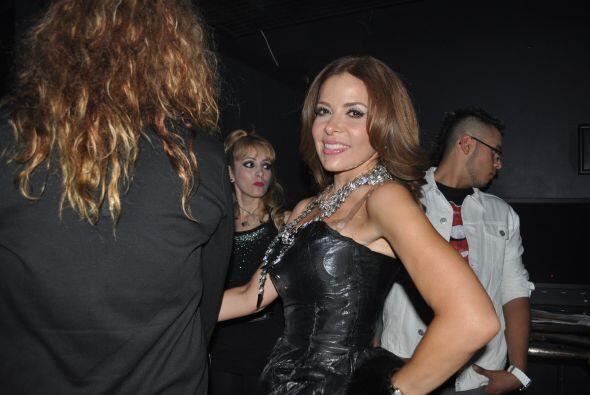 Tras bastidores tuvimos un momento paparazzi con Gloria Trevi ¡gracias p...