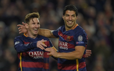 Luis Suárez junto con Messi
