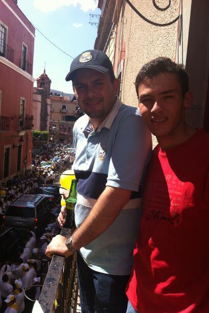 Una vez en Guanajuato, convivieron con otros fieles en las pintorescas e...