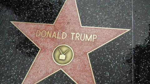Piden el retiro de la estrella de Donald Trump del Paseo de Fama en Holl...