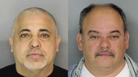 Arrestan a dos sujetos señalados de promover peleas de gallos en Nueva J...