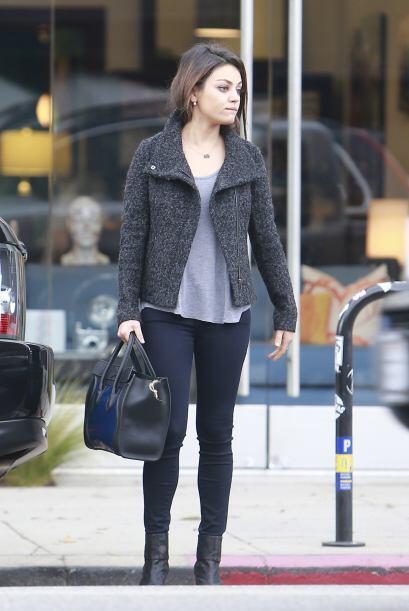Ver esta semana a Mila Kunis sin sus 'pants' holgados y bien 'arregladit...