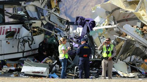 Revelan identidad de las víctimas fatales tras el choque de un autobús c...