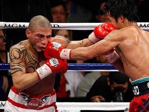Manny Pacquiao enfrentó al boricua Miguel Cotto y lo derrot&oacut...