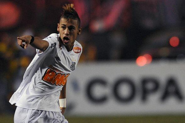 El jugador del Santos de Brasil no se cansa de maravillar al mundo con l...