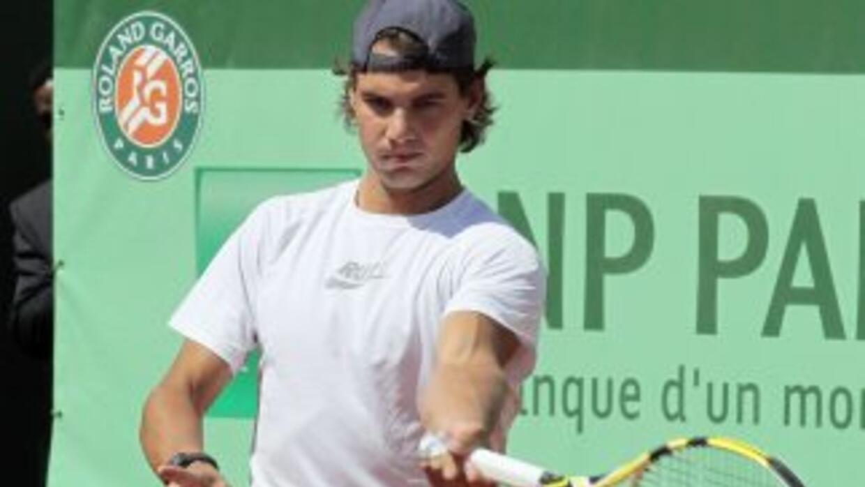 Ante el acecho de Djokovic, Nadal espera dar todo en la arcilla de Rolan...