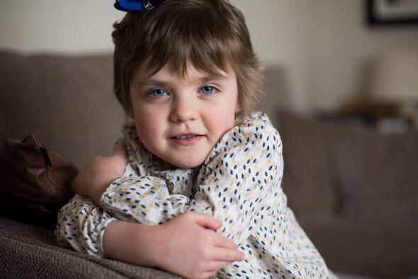 Isobel pasó dos semanas luchando por su vida en terapia intensiva.