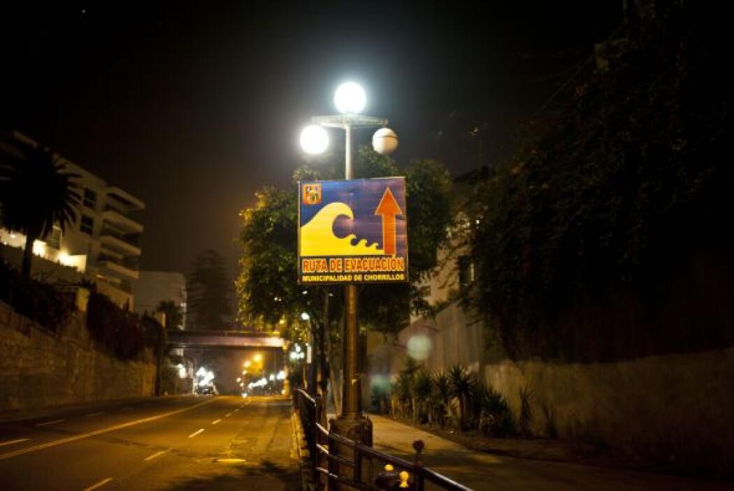 Las alarmas sonaron también en el vecino Perú, donde varias poblaciones...