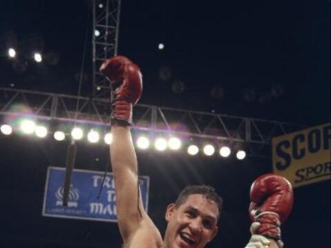Héctor 'Macho' Camacho conquistó su primer campeonato mund...