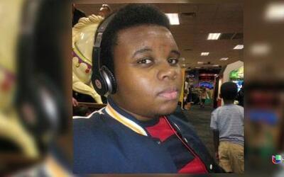 En Un Minuto: Michael Brown, sospechoso de robo antes de morir
