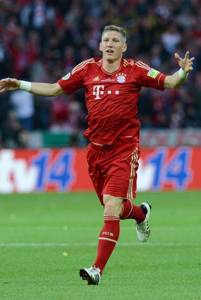 Acompañando a Pranjic, estaría Bastian Schweinsteiger con...